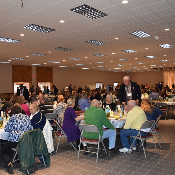 Audience at 2016 Farmer Neighbor Dinner