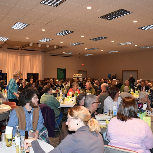 Audience at 2016 Farmer-Neighbor Dinner